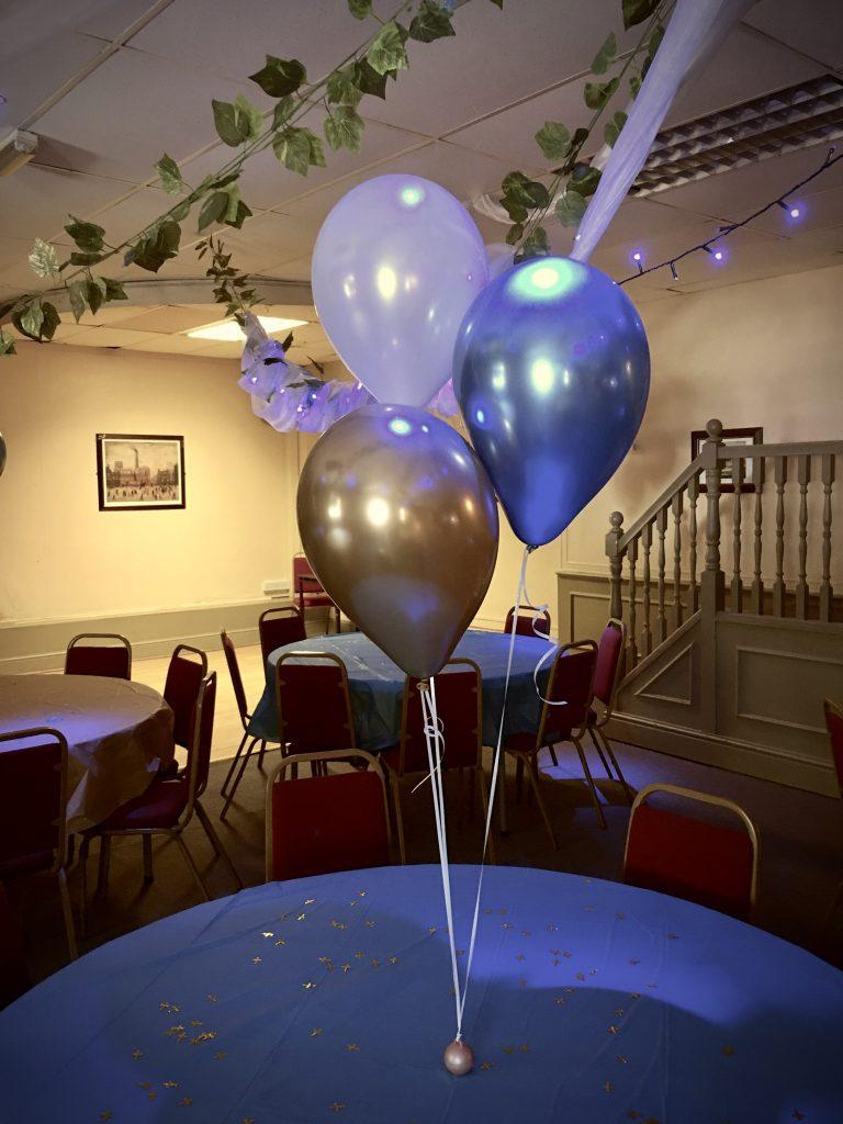 Chrome balloons, table centerpiece, balloon decor